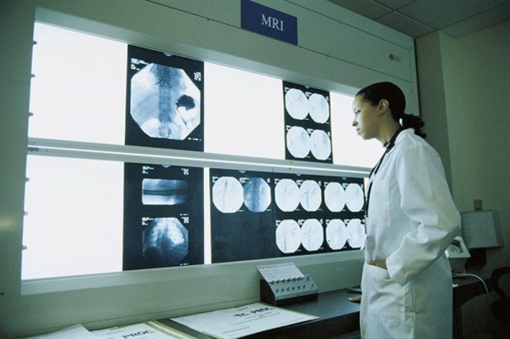 Surgical Technician vs  MRI Technician: Which One is Right