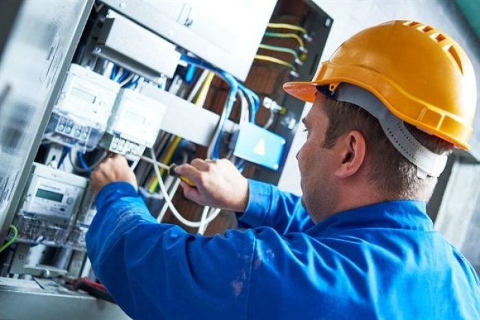 How Do You Become a Licensed Electrician?